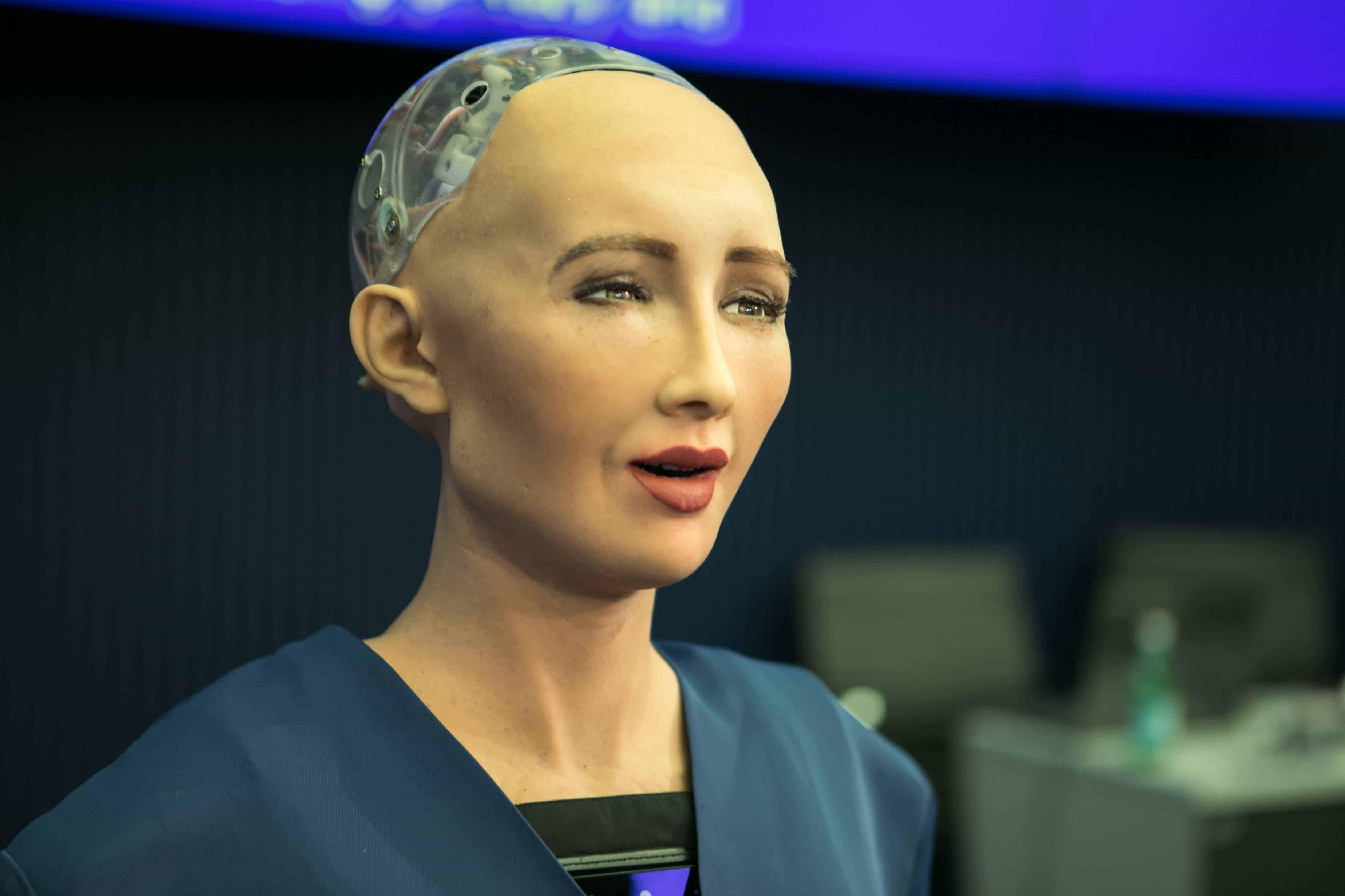 Dünya şöhrətli robot Bakıda çıxış edəcək