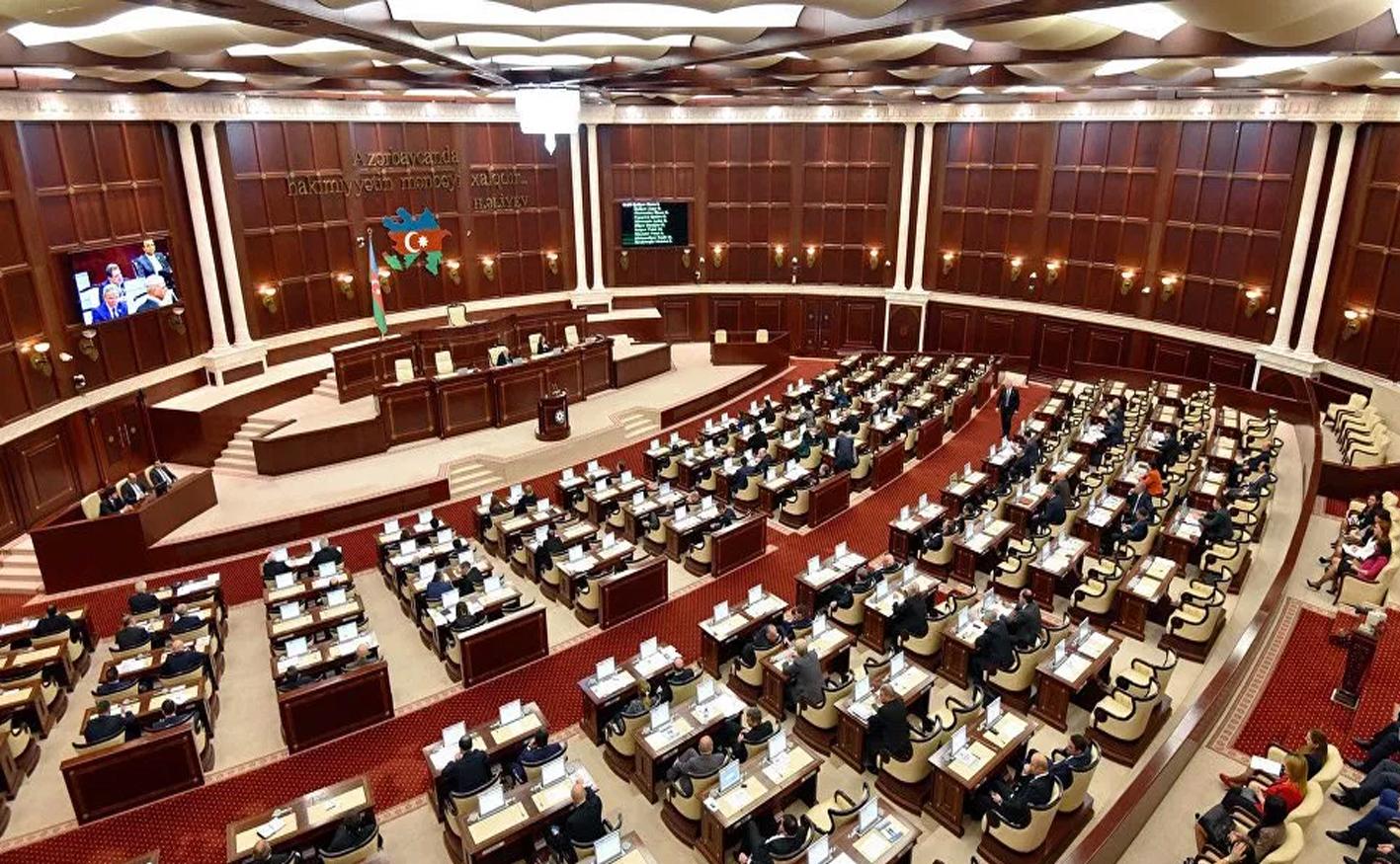 Milli Məclisdə daha iki qanun layihəsi müzakirəyə çıxarılır