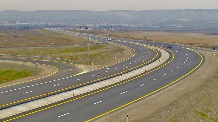 Bakıdan İran sərhədinə qədər yeni avtomobil yolunun bir hissəsi bu ilin son ...