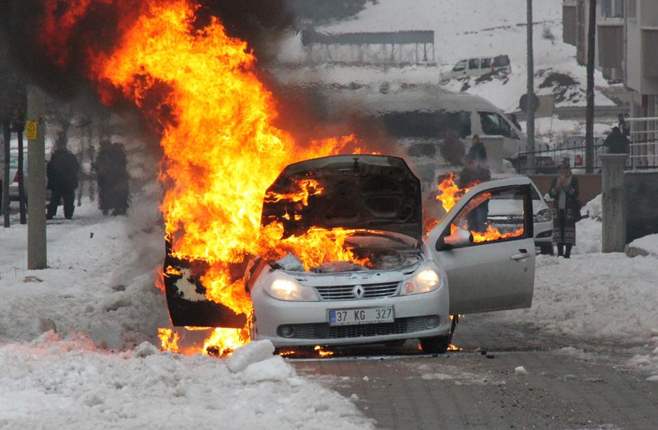 Sürücülərin DİQQƏTİNƏ! Avtomobilinizi yanmaqdan belə qoruyun – VİDEO