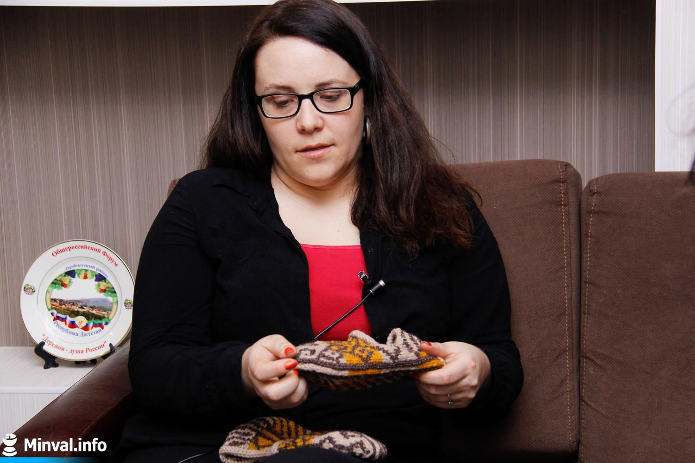 Bakıya müəllim kimi işləməyə gələn amerikalı Teresa indi corab satır – FOTO ...