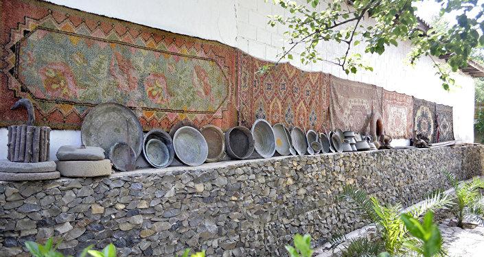 Məmməd Məmmədovun həyətyanı sahəsi