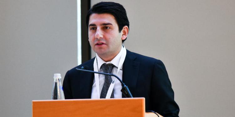 Azər Talıbov ile ilgili görsel sonucu