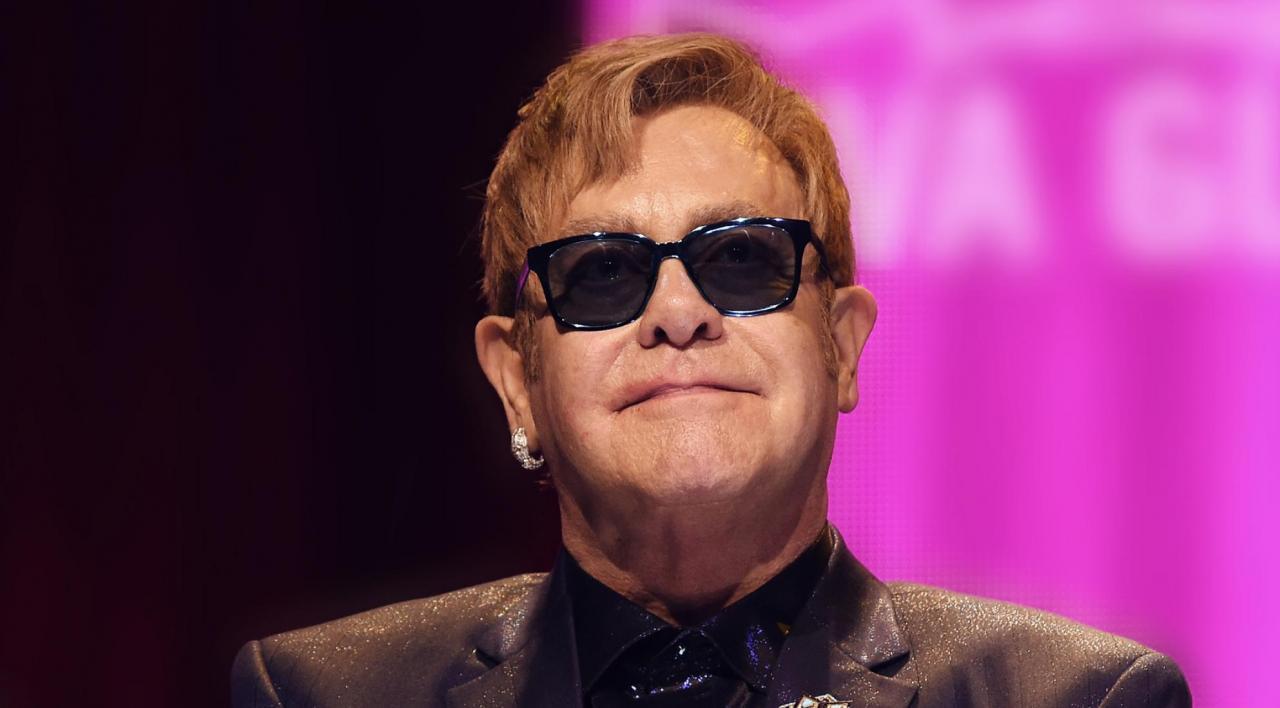 Elton John ile ilgili görsel sonucu
