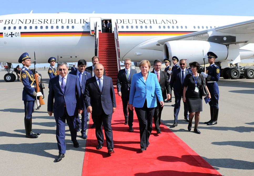 Merkel Bakıda – FOTOLAR
