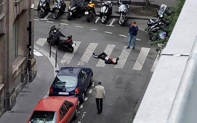 İŞİD terrorçusu Avropanın mərkəzində insanlara bıçaqla hücum edib – Ölən və yaralananlar var
