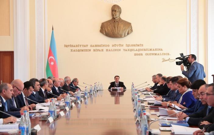 Novruz Məmmədov nazirləri topladı – İCLAS