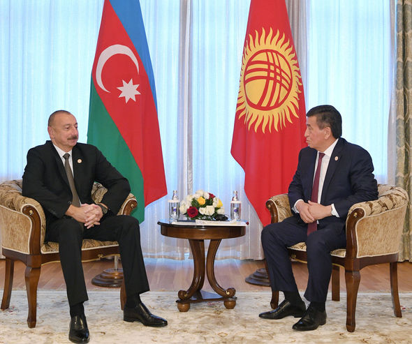 İlham Əliyev Qırğızıstan prezidenti ilə görüşüb – FOTO
