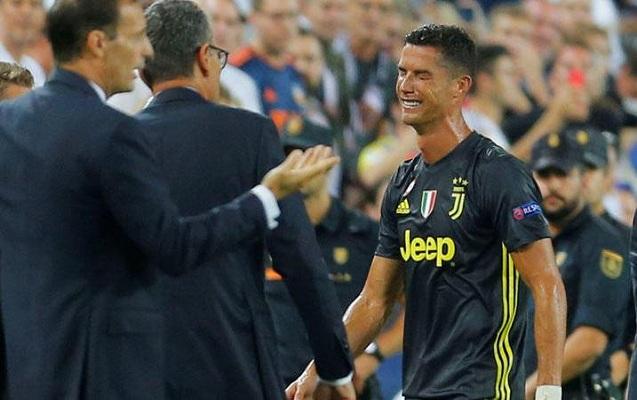 Ronaldo meydandan qovulduğu üçün ağladı – Fotolar, Video