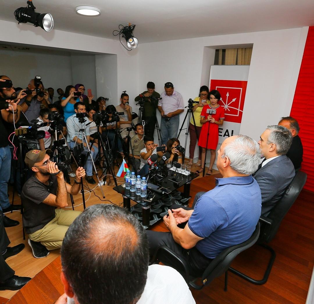 İlqar Məmmədov 3 hissəli mətbuat konfransı keçirib – FOTOLAR