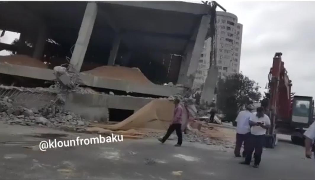 SON DƏQİQƏ – Bakıda yeni tikili çökdü (VİDEO) (Yeniləndi)