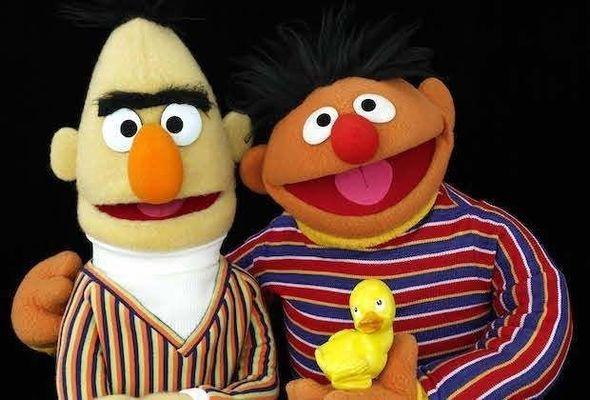 Uşaq verilişində qalmaqal: Obrazlar homoseksual imiş – FOTO