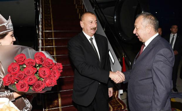 İlham Əliyev Qırğız Respublikasına getdi