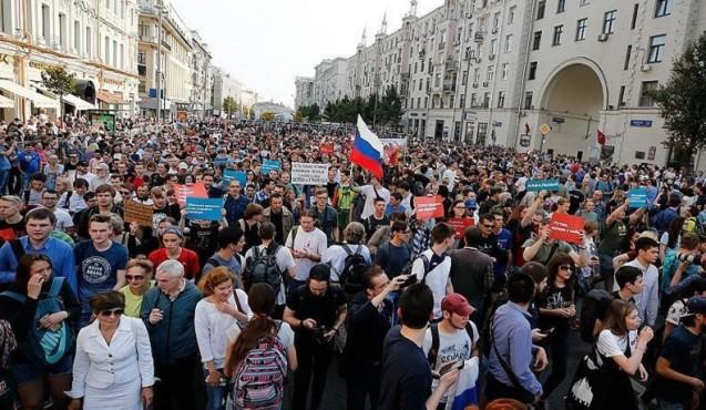 Rusiyada minlərlə insan etiraz aksiyası keçirdi