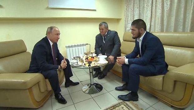 Putin Həbib Nurməhəmmədovla görüşdü