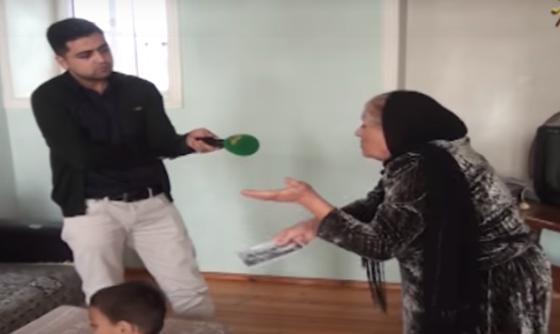 Bakıda nənə nəvəsini və gəlinini evdən belə qovdu – Şok görüntülər (Video)