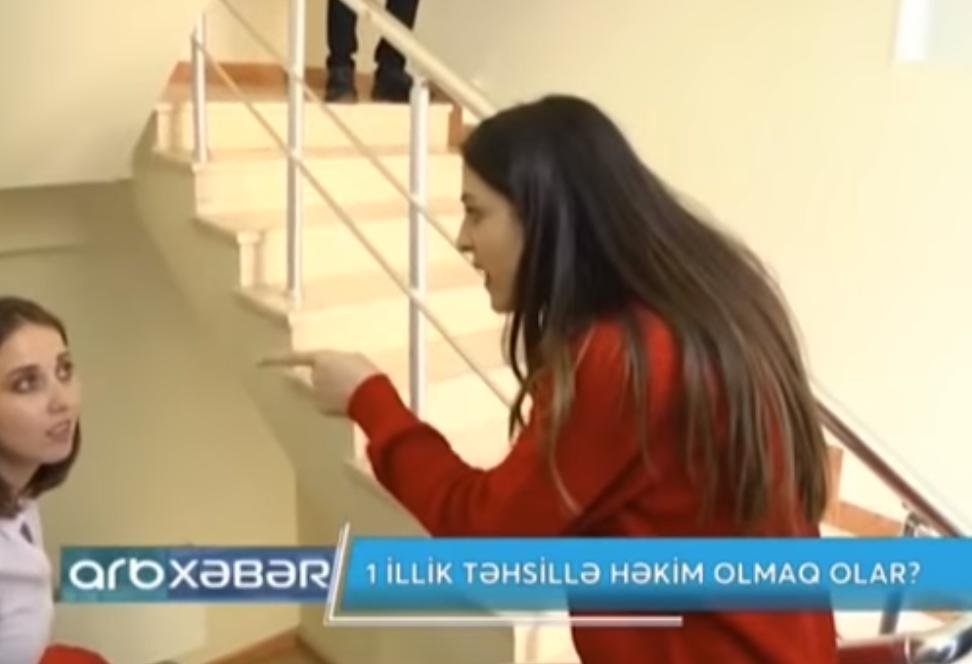 """Bakıda fırıldağı üzə çıxan qadın hücuma keçdi: """"Sən məndən…"""" – VİDEO"""