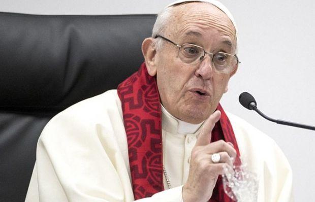 Roma Papası gənclərdən üzr istədi