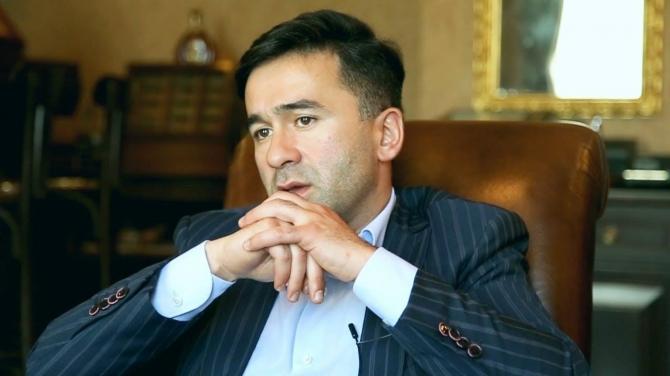 """Xəzər TV Tahir İmanovu """"yıxıb-sürüdü"""" – VİDEO"""
