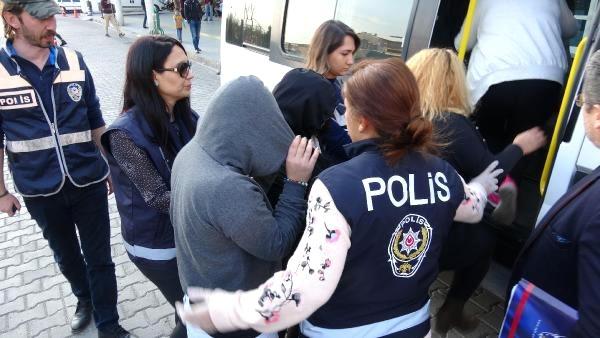 Azərbaycanlı bacılar Türkiyədən deportasiya olundu – Fahişəlik üstündə