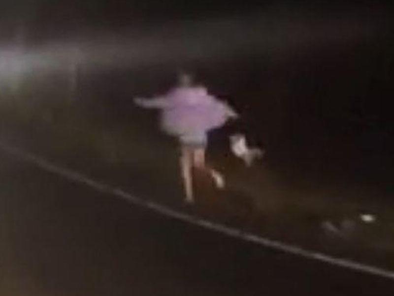 Polisdən qaçan ana uşağını tulladı, körpənin kəllə sümüyü qırıldı – VİDEO