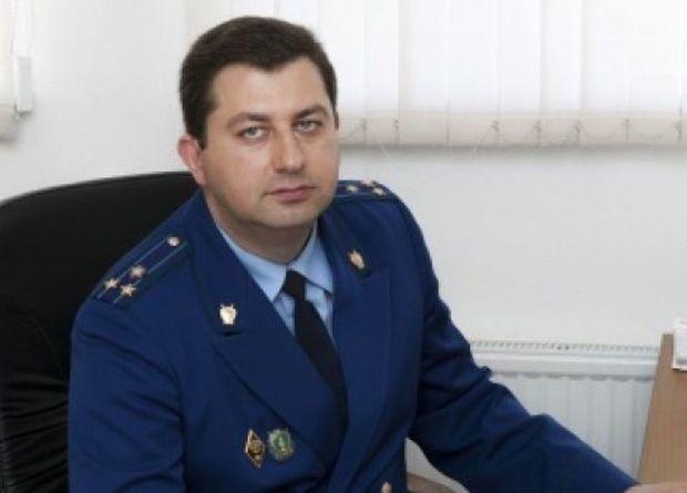 Azərbaycanlı rüşvət verdi, rusiyalı prokuror işdən qovuldu