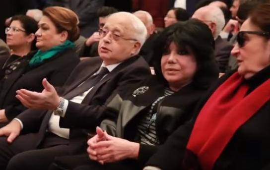 Vida mərasimində Elçin Əfəndiyevlə Flora Kərimova arasında narazılıq – Video