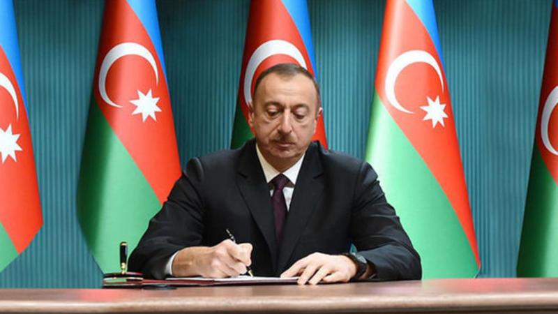 Prezident İlham Əliyev 3 sərəncam, 8 fərman imzaladı