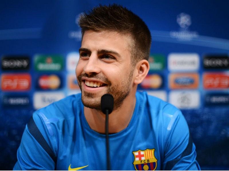 """Barselona""""nın ulduzu Pike bu klubu almaq istəyir"""