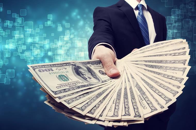 Dollar yaxın günlərdə bahalaşacaq? – İqtisadçıdan şərh