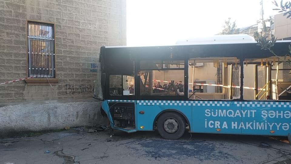 Sumqayıtda 42 nəfərin yaralandığı dəhşətli avtobus qəzasının görüntüləri –  ...