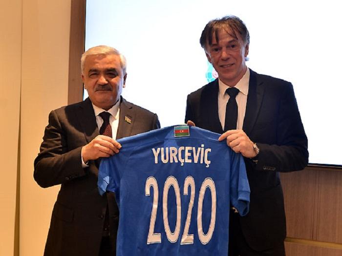 Azərbaycan millisinin yeni baş məşqçisi məlum oldu – FOTO