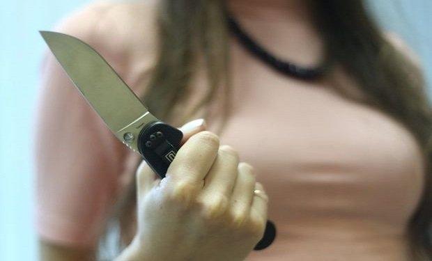 Bakıda qadın ərini bıçaqlayıb