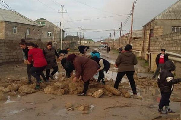 Bakı kəndində acınacaqlı mənzərə – Fotolar