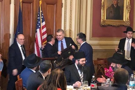Tofiq Quliyevin mahnısını ABŞ Senatında oxudular -VİDEO