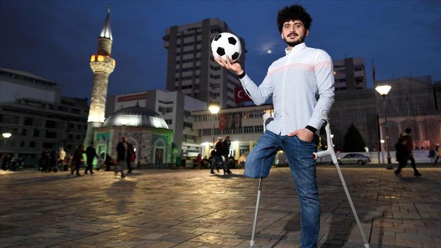 """""""Ayağını itirdi, topa olan sevgisini isə əsla itirmədi"""" – """"Təkayaqlı Messi""""nin həyat hekayəsi – VİDEO, FOTOLAR"""