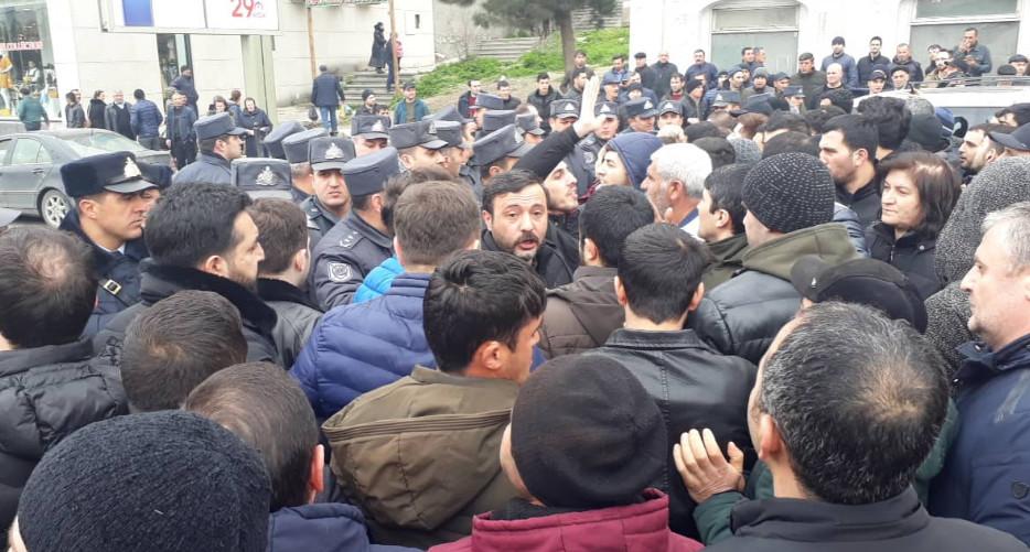 """""""Diqlas""""da malları yanan sahibkarlar bir araya gəldi, obyektin rəhbəri vəd verdi – Fotolar, Video"""