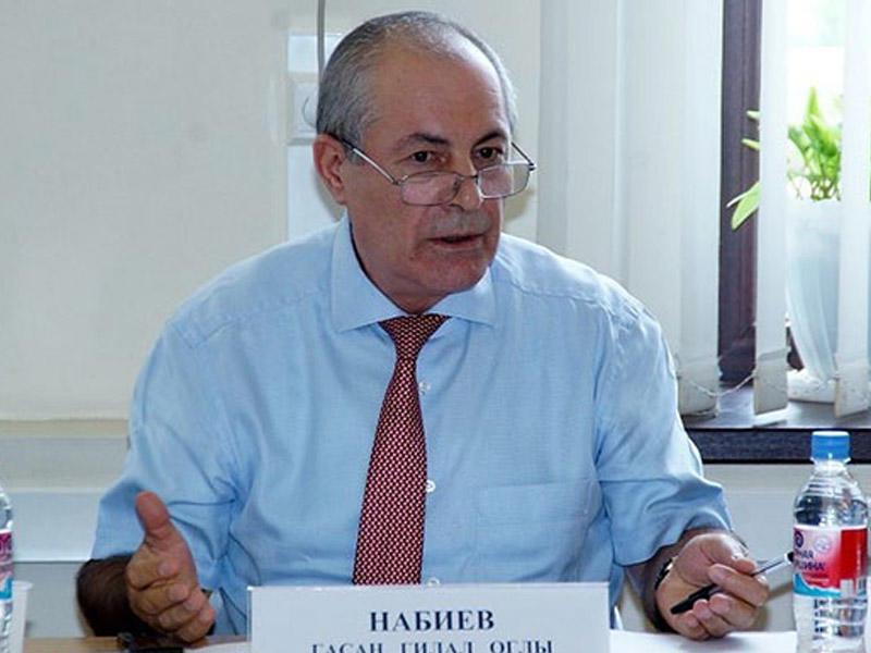 Rusiyada azərbaycanlı deputat vəzifəsindən getdi – Təhqir olayı
