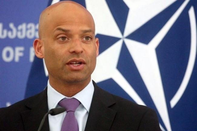 """NATO: """"Qarabağ münaqişəsi yalnız sülh yolu ilə həll oluna bilər"""""""