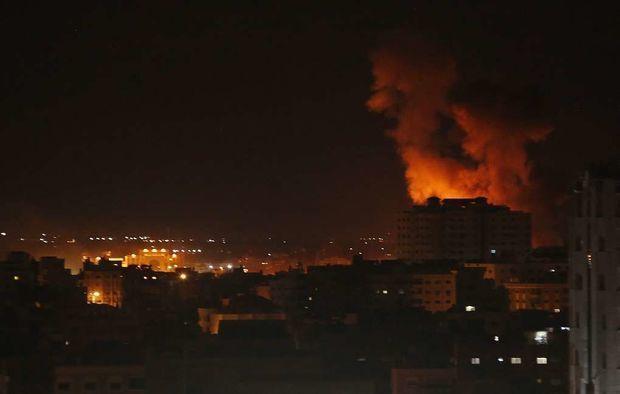İsrail Qəzzanı bombalayır