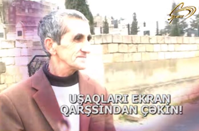 """Azərbaycanda qəribə insan: """"Ruhlarla danışır, səmada ilahi güc görürəm, həkim çarəmi bilmir"""" – Video"""