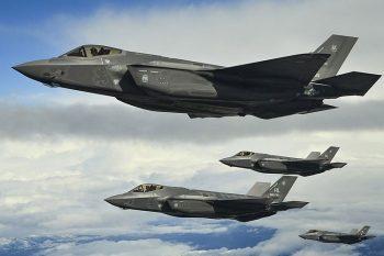 """ABŞ """"F-35"""" təyyarəsinin hıssələrinin Türkiyəyə daşınmasını dayandırıb"""