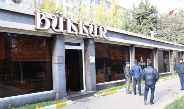 Eks-deputatın məşhur restoranı sökülür – Fotolar