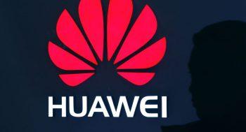 """Çinlə ticarət müharibəsinin bitdiyi deyilsə də, Tramp hələ """"Huawei""""i tam bağışlamayıb"""