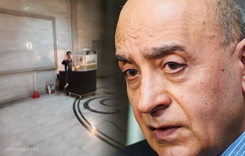 """Deputat istəyinə nail oldu: """"Popkorn"""" satıcısı keçiddən çıxarıldı (FOTO)"""