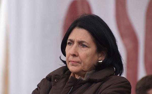 ABŞ bazası böhranı: Zurabişvili impiçmentlə təhdid edildi
