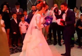 """Azərbaycanlı dünya çempionu öz toyunda gəlinlə """"yumruqlaşdı"""" – VİDEO"""