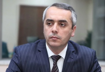 Elman Babayev vəzifəsindən azad edildi