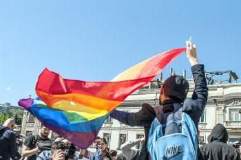 Homoseksualizmi yayan böyük GÜCLƏR – Onlar gəncləri necə tora salırlar…