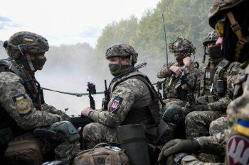 Ukrayna hərbçiləri Donbasda minaya düşüb, 2 əsgər ölüb, 2-i yaralanıb